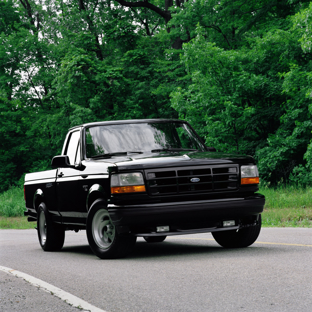 1993 Ford F150 Lightning 1993 – 1995 and 1999 – 2004 Ford F-150 SVT Lightning ...