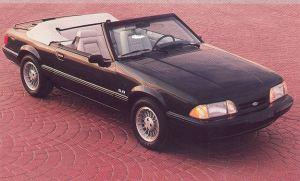 1990 Ford Mustang Limited Edition Convertible (7-UP)