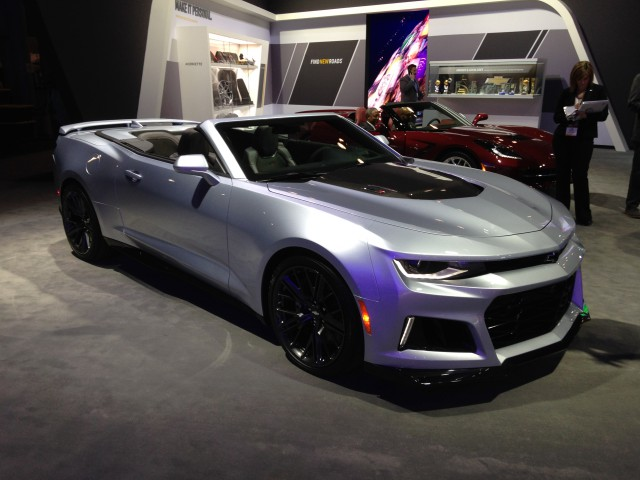 chevrolet introduces the camaro zl1 convertible in new york tommy 39 s car blog. Black Bedroom Furniture Sets. Home Design Ideas