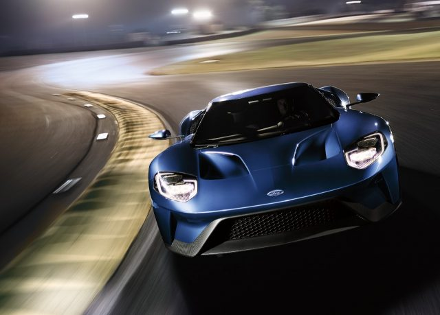 2017-ford-gt-track