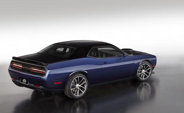 The Mopar '17 Dodge Challenger, Pitch Black/Contusion Blue ver